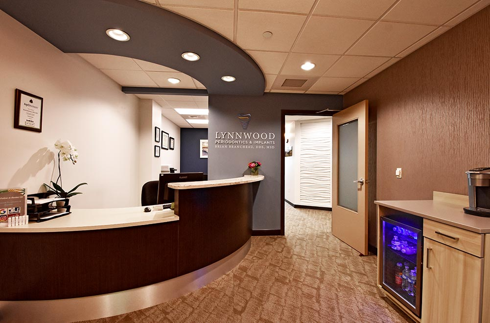 Reception area of Lynnwood Periodontics & Implants